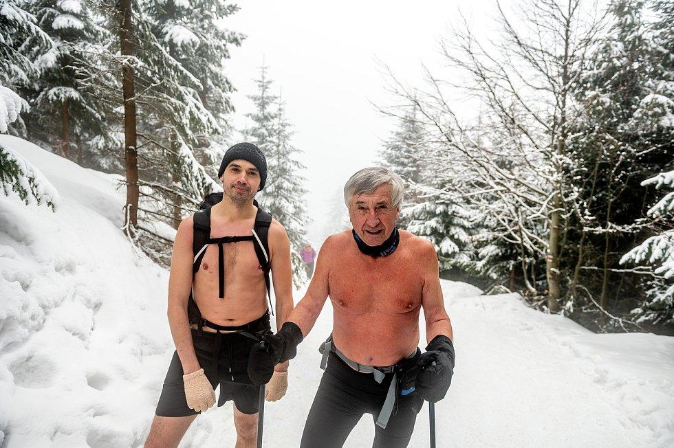Ján Čupa při výstupu na Lysou horu 7. února 2021.