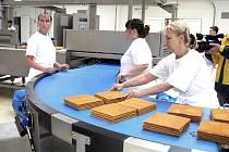 Ve Frýdku-Místku v pátek otevřeli novou výrobnu populárního dortu Marlenka.