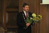 Ve Frýdku-Místku byl zvolen Petr Cvik jako nový primátor města.