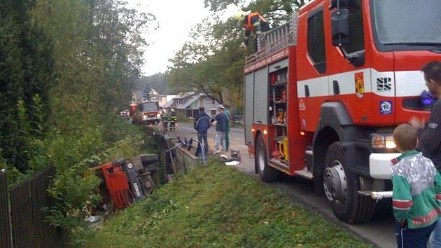 V Janovicích se v pátek 23. října vpodvečer stala závažná dopravní nehoda.