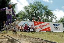 Jeden ze závodu čtyřdílného turné žáků ve skoku na lyžích hostily i Kozlovice.