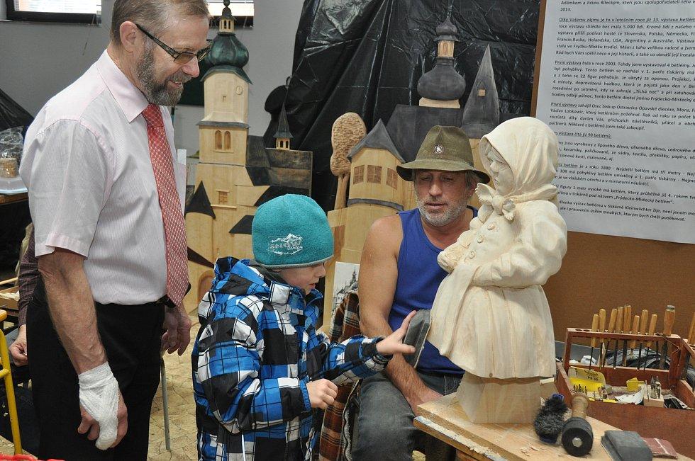 Tiskař z Frýdku-Místku dostal pozvání na největší světovou výstavu betlémů. Letos se ale nekoná.