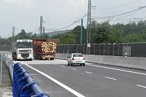 Po průtahu Hrádkem projela v pondělí 16. května první vozidla. Stalo se tak krátce po desáté hodině dopoledne.