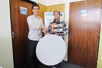 Vítězkou 25. ročníku soutěže Tip liga se stala Sabina Dudová z Frýdku-Místku, který si z rukou šéfredaktora redakce převzala hlavní cenu – satelit GoSat 7056 s parabolou.