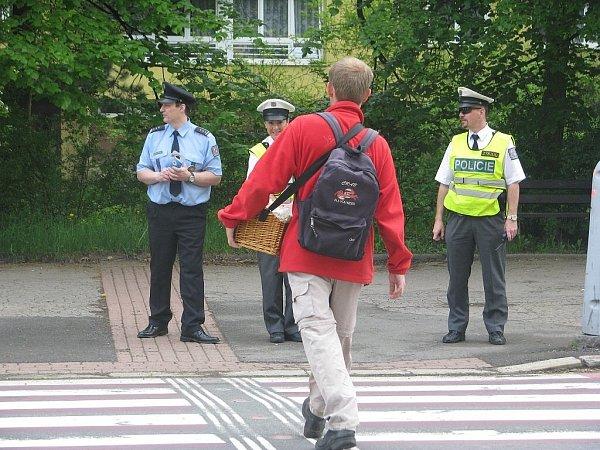 """Rovněž ive Frýdku-Místku proběhla ve čtvrtek 9.května celorepubliková akce """"Road Safety Week"""", která byla zaměřena na chodce a cyklisty."""