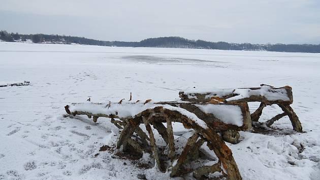 Zamrzlá Žermanická přehrada.
