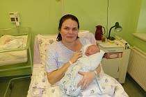 Dorota Kaszper se synem Janem, prvním miminkem roku 2013 v Nemocnici Třinec.