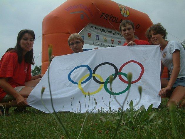 Archivní snímek z doby, kdy setkání evropských Frýdlantů hostil Frýdlant nad Ostravicí. Děti a mladí lidé z několika zemí soutěžili v duchu olympiády.