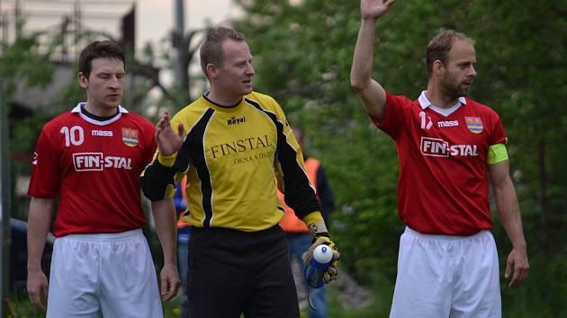 Derby mezi Lučinou a Starým Městem rozhodl jediný gól. Ten vstřelil v závěru utkání hostující Lukáš Chlebek.