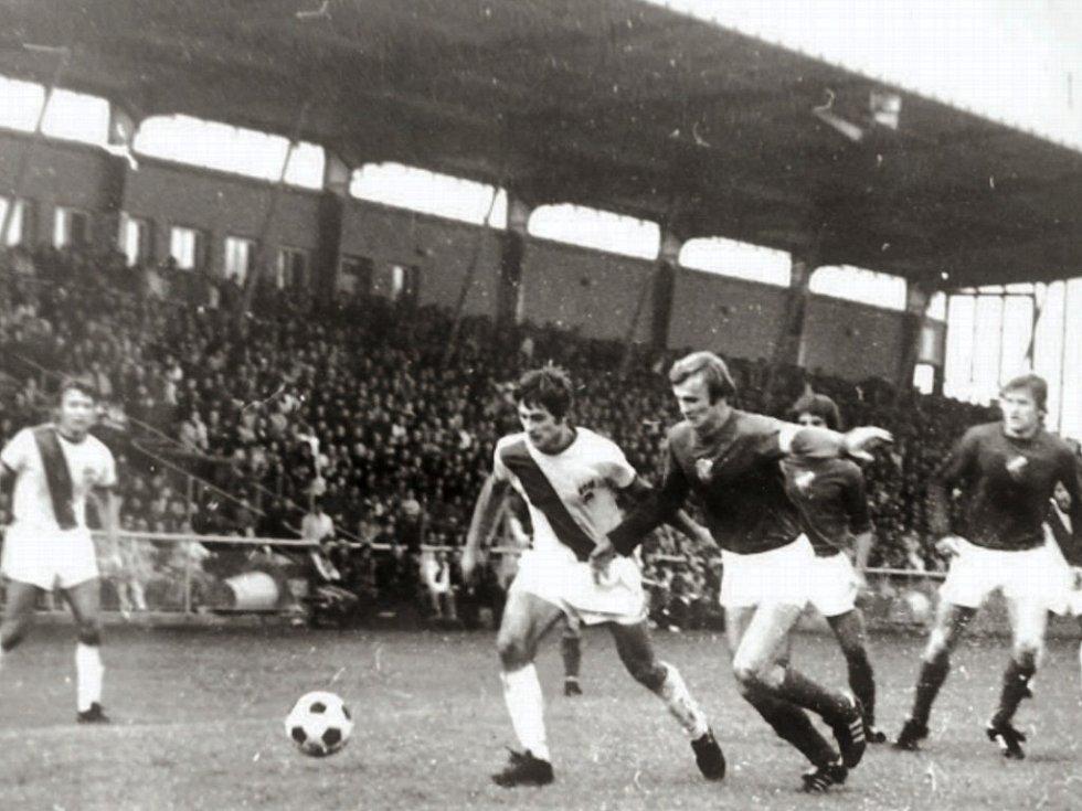 Frýdecko-místečtí fotbalisté si na domácím trávníku poradili s Baníkem Ostrava 2:1.