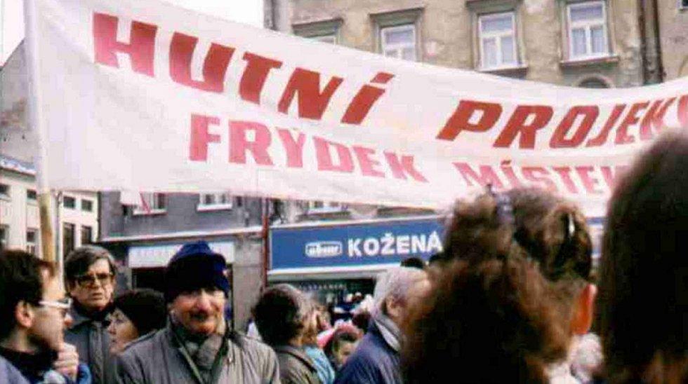 Sametová revoluce pohltila také Frýdek-Místek.