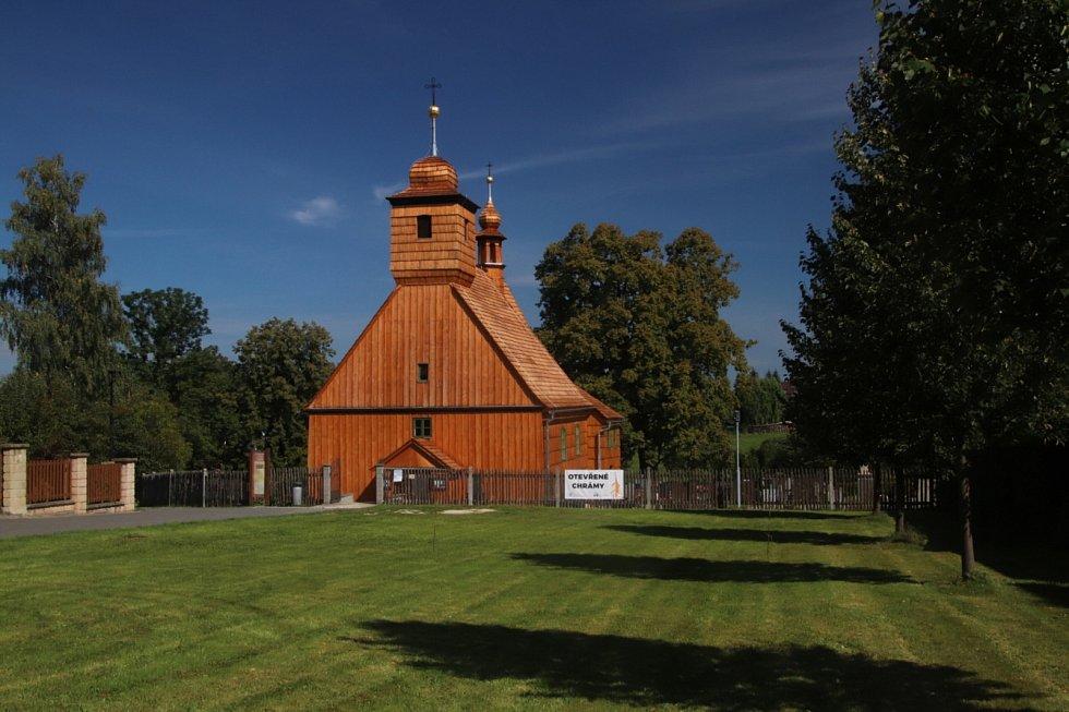 Dřevěný kostel sv. Michaela archanděla v Řepištích.