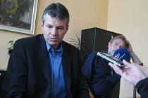 Petr Konůpka svolal během pondělního zastupitelstva krátkou tiskovku.