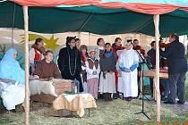 Živý betlém v podání žáků a učitelů Základní školy duchovní hudby z Místku.