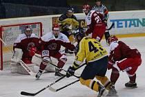 Frýdecko-místečtí hokejisté jdou do boje.