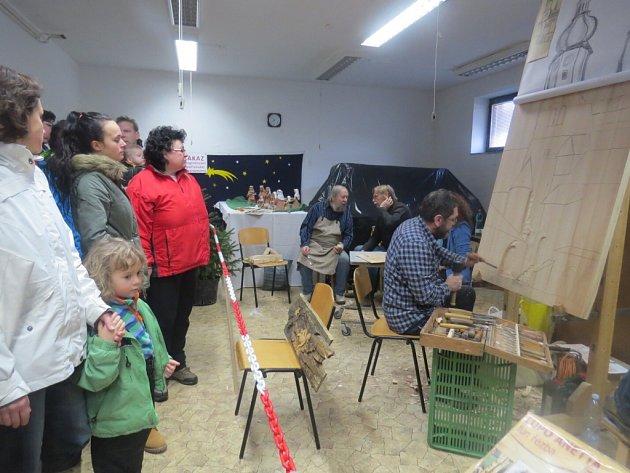 V pátek a v sobotu mohli lidé navštívit výstavu betlémů a řezbářský plenér ve Frýdku-Místku.