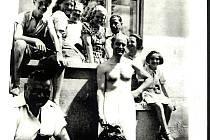Přátelství rodin Hrubých a Salomonowiczových dokládá fotografie z léta 1939.
