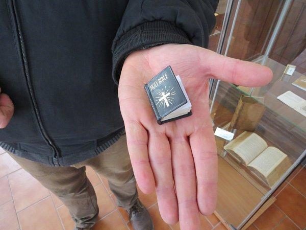 Vopravené části starého jablunkovského mohou lidé vidět stovky Biblí a křesťanských knih. Nadšenci počítají srekonstrukcí jablunkovského kláštera, která umožní podstatné rozšíření expozice.