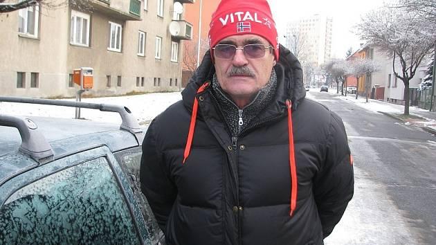 Vlastimil Sosna se celý život věnuje dálkovým běhům. Na běžkách zvládl dvakrát i slavný Vasův běh. Letošní Jizerskou 50 však musel oželet.