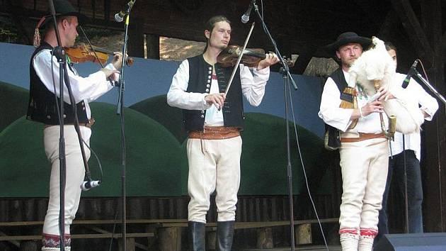 V Jablunkově v pátek 7. srpna začal 62. ročník mezinárodního folklorního setkání Gorolski Świeto, které potvá do konce víkendu.