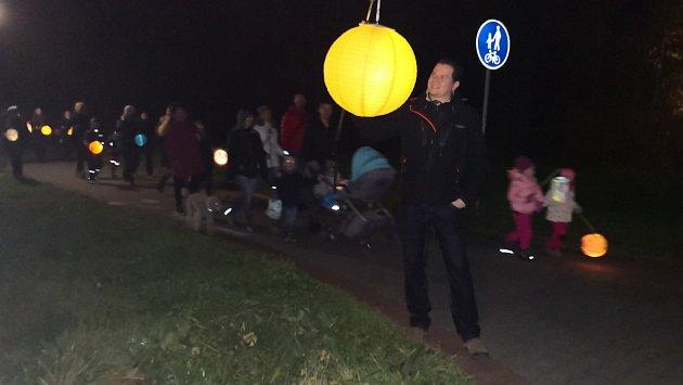 Lampionový průvod už popáté rozzářil Frýdek-Místek.