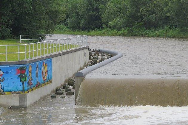 Přestavba jezu na řece Ostravici skončila.