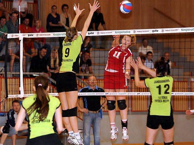 V rozhodujícím utkání o bronzové medaile nakonec uspěly hráčky pražského Olympu, když ve Frýdku-Místku zvítězily 3:0.
