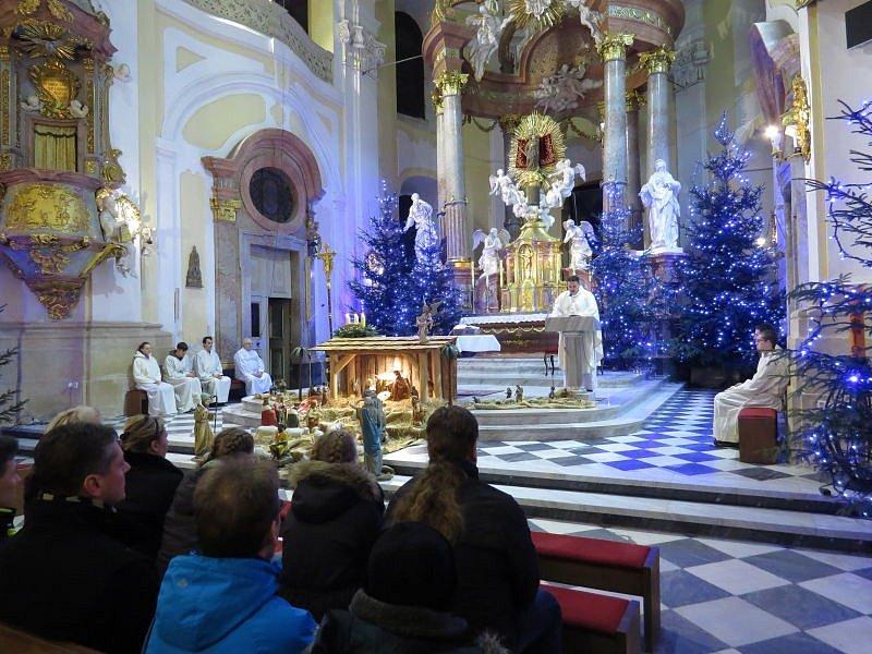 Mši svatou ve frýdecké bazilice navštívily desítky lidí.