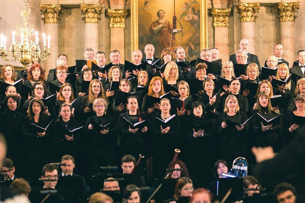 Moravskoslezská Sinfonietta vznikla v roce 2011 jako občanské sdružení v malebné obci Řepiště na Frýdecko-Místecku.