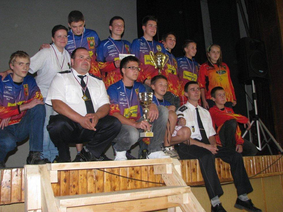 V Nýdku se o víkendu sešli mladí hasiči, aby oficiálně ukončili letošní ročník Moravskoslezské ligy v požárním útoku.