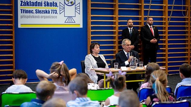Prezident M. Zeman zahájil školní rok v Třinci