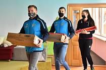 Házenkáři a volejbalistky z Frýdku-Místku pomohli potřebným.