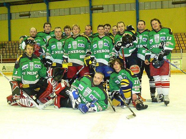 Hokejisté HC Nebory skončili na republikovém šampionátu amatérských hokejistů na třetím místě.