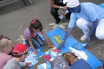 Vendryňský letní karneval nabídl hudbu, soutěže pro děti i fotbalové utkání Horňáci-Dolňáci.
