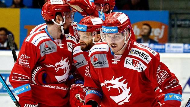 Aron Chmielewski (v popředí) se v Plzni trefil dvakrát.