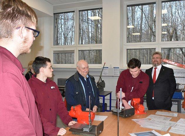 Nové mechanické dílny, které poslouží školákům ve Střední odborné škole Třineckých železáren. Foto: archiv TŽ