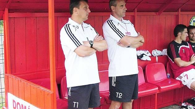 Trenéři Neček (vlevo) a Kula.
