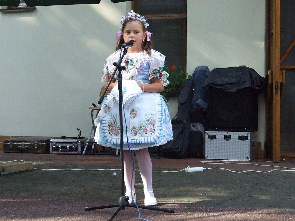V sobotu se v Čeladné konal 2. ročník Lašského kulturního festivalu s Prosperitou. Na snímku miss folklór Anne-Marie Lorenzová.