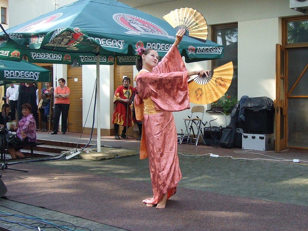 V sobotu se v Čeladné konal 2. ročník Lašského kulturního festivalu s Prosperitou. Na snímku vystoupení gejši.