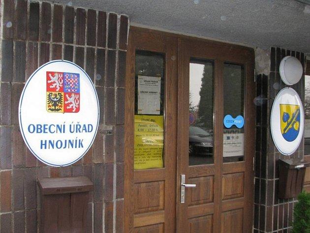 Radnice v Hnojníku.
