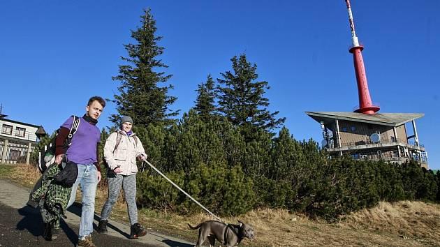 Lysá hora je pro turisty lákavá v každém ročním období.