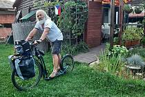 Břetislav Snášel vyráží na 1000 km dlouhou cestu k Baltu. Na koloběžce.