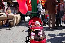 Eliška Májková přijela do Brušperku na pouť se svými rodiči z Ostravy. Dívenka se radovala z balónku.