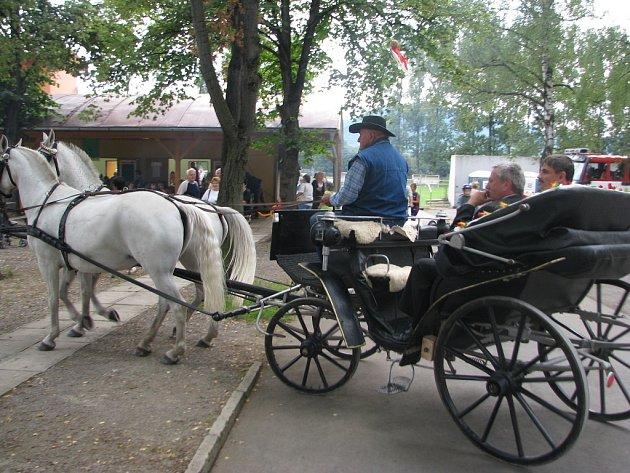 Odhadem až dva tisíce lidí pobavil v sobotu dvanáctý ročník Vendryňského letního karnevalu.