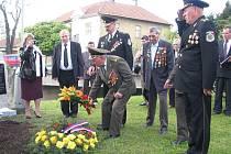 Významná vojenská delegace z Moldavské republiky dorazila při příležitosti šestašedesátého výročí osvobození a ukončení druhé světové války do Palkovic.