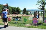 Lokalita přehrady Olešná je v létě častým cílem rekreantů. Nejvíce láká aquapark. Ilustrační foto.