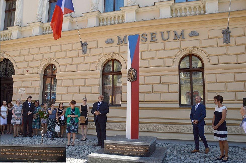 Nový památník bude současné i dalším generacím připomínat sto let od založení Českého Těšína.