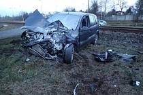 Nehoda vlaku s osobním autem v Hnojníku.