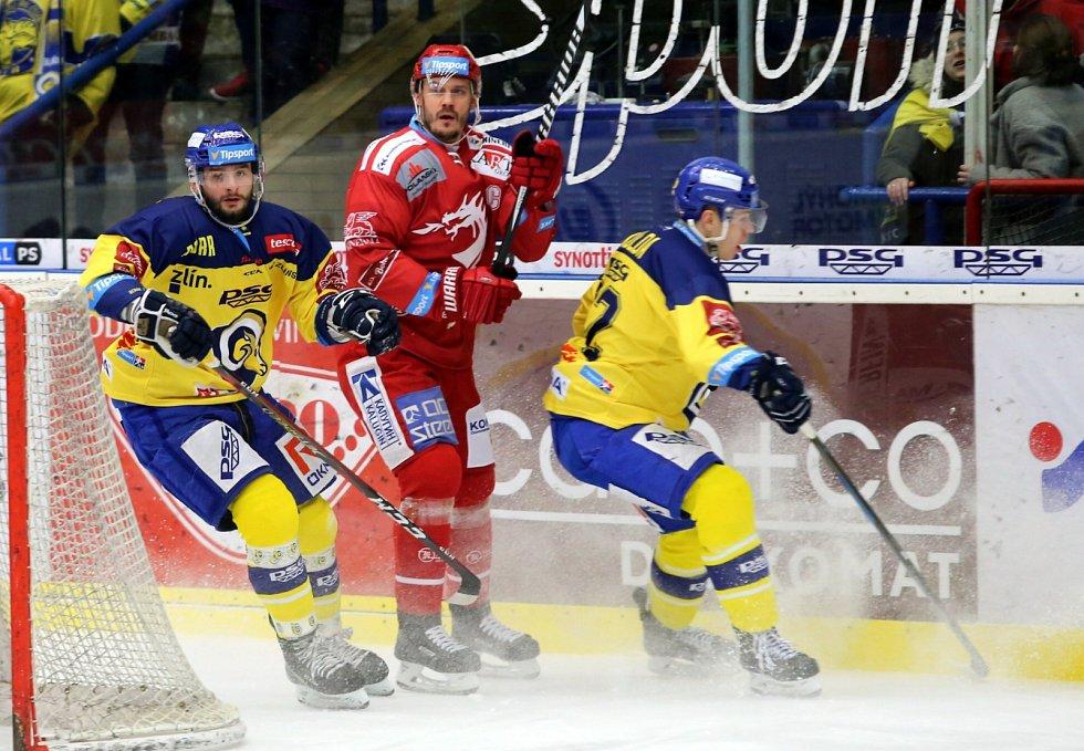 Podle Lukáše Krajíčka (v červeném) by si Oceláři měli klást vysoké ambice i v Lize mistrů.