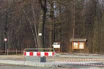 Staveniště bude v městské části Lískovec ještě několik týdnů, po rekonstrukci zde bude více místa i pro cestující.
